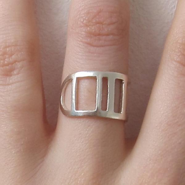 Alynne Lavigne Code Ring