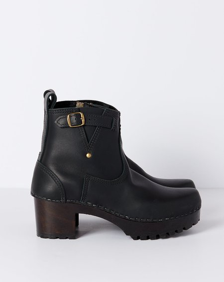 "No.6 5"" Leather Buckle Boot on Mid Tread - Black on Coffee Base"