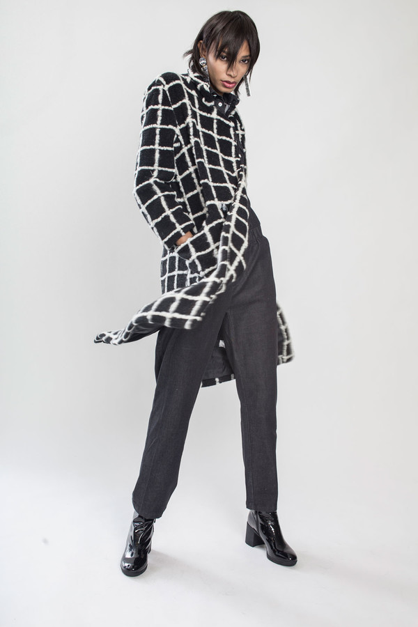 KURT LYLE Veronica Double breasted coat in Grid