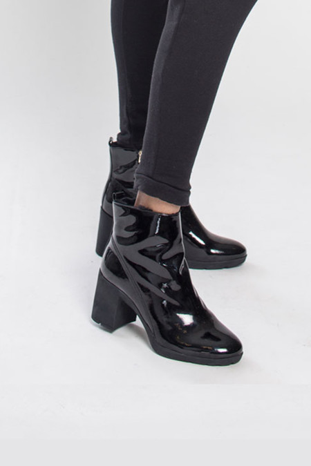 ATELJE71 Violet Black Soft Patent Boot