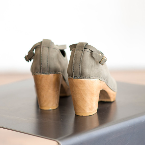 No. 6 Classic Shoe on High Heel Storm - SOLD OUT