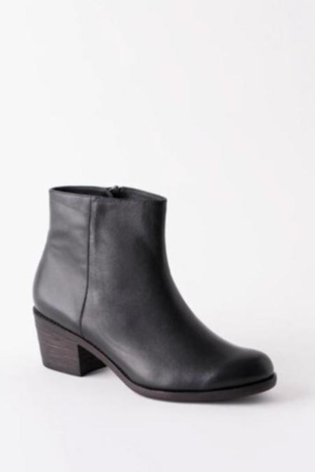 Fortress of Inca Jenna Boot - black