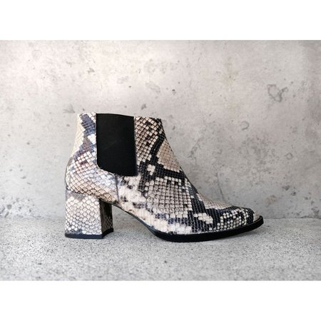 FREDA SALVADOR VIRGO BOOT - BLACK/WHITE SNAKE