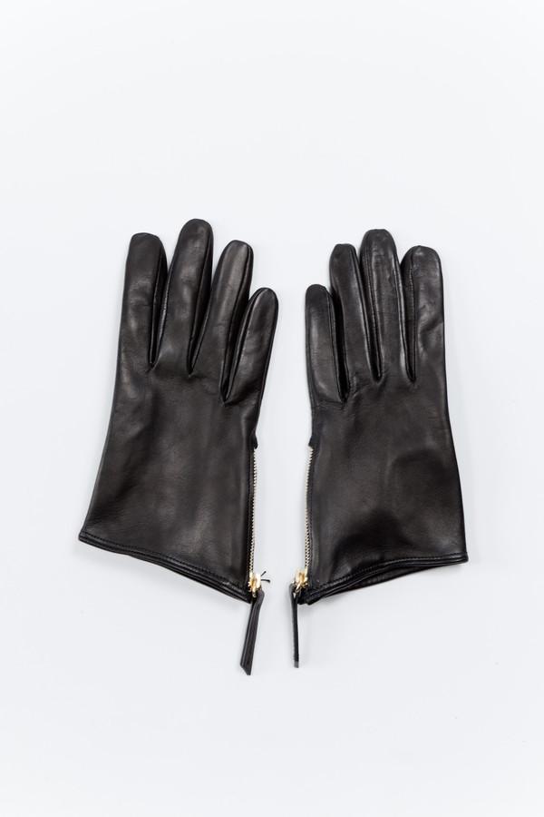 WANT Les Essentiels de la Vie Madeleine Short Zip Glove Black