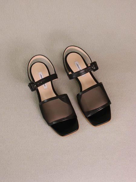 About Arianne marini mesh flat sandal - black