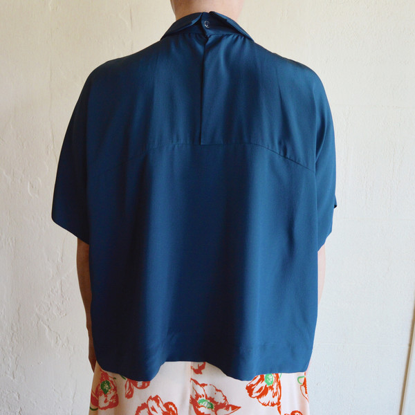CARLEEN Collared Box Blouse in Navy