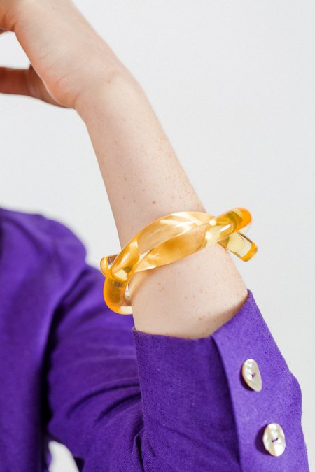 Corey Moranis Thick Knot Bracelet - Yellow Lucite