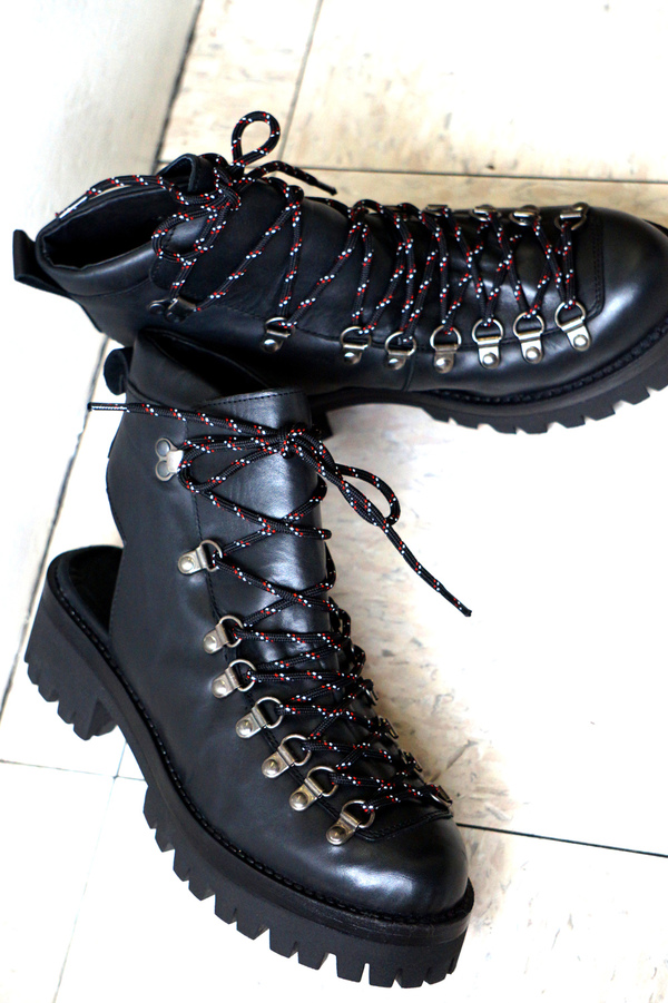 Intentionally Blank THARP HIKER in BLACK LEATHER