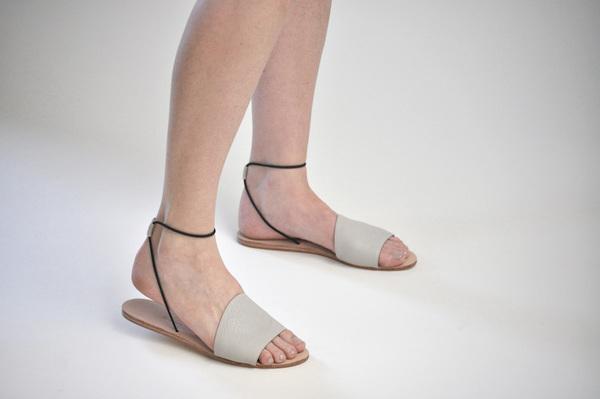 The Palatines Refero Sandal - beige leather w black elastic
