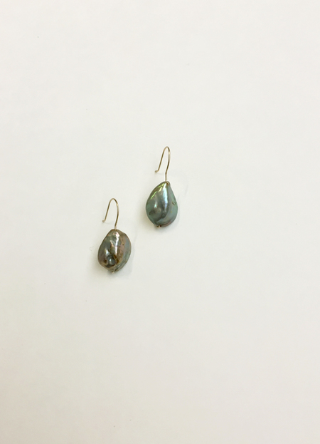 Bartleby Objects Nori Pearl Short Earring - Green