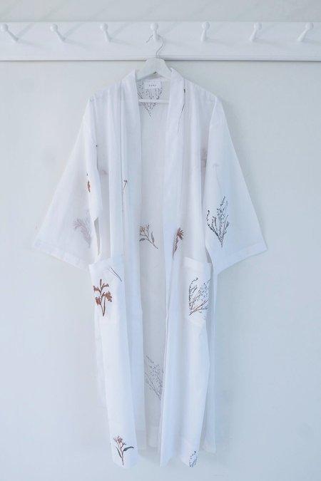 Karu Fynbos Organic Cotton Robe - WHITE