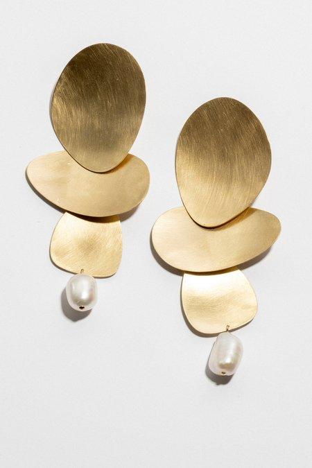 Laura Estrada Pilar Earrings - Matte brass