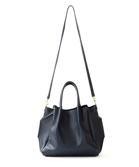 OLIVEVE zoe tote in black pebble cow leather