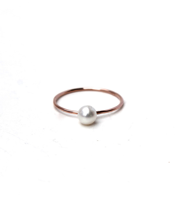 Lumo Tiny Pearl Ring