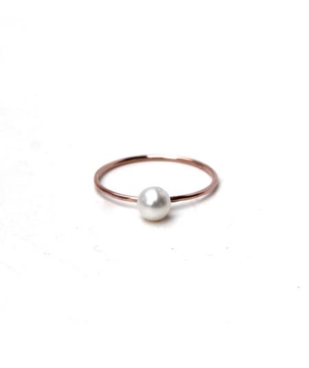 Lumo Tiny Pearl Ring