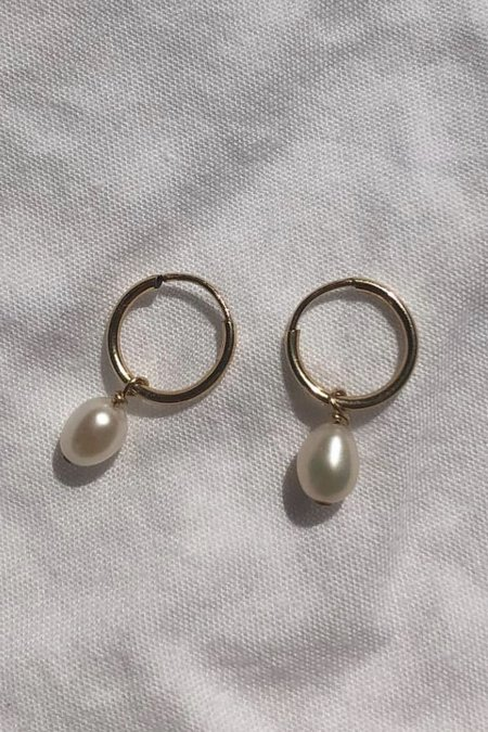 AA Studio Tiny Drop Pearl Hoops - Gold/Pearl