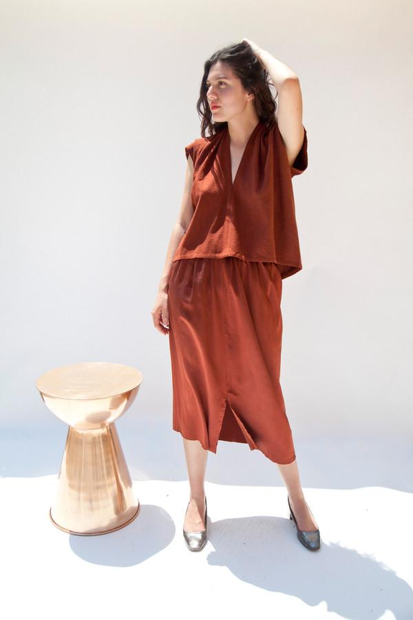 Miranda Bennett In-Stock: Everyday Top, Cropped, Silk Noil in Rust
