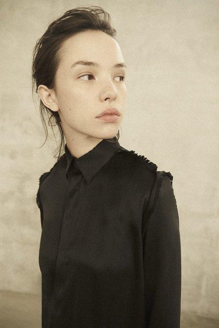 Annie Hamilton Classic Satin Shirt - Black