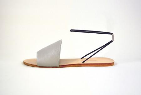 The Palatines Refero Elastic Strap Sandal in Beige/Black