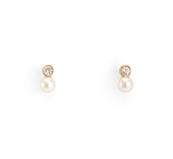 14 K Mixed Media Pearl and White Diamond Earrings by Satomi Kawakita