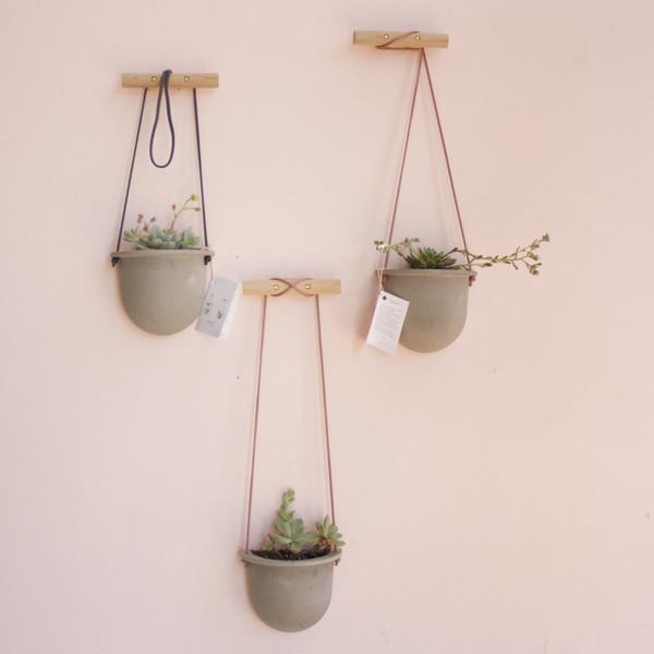 concrete hanging vessel