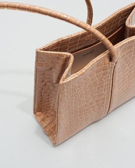 LOQ Miró  Patent Croc Pequeño - Dune
