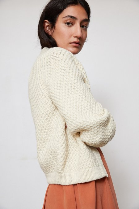 OUND HAND KNITTED WOOL CARDIGAN - IVORY