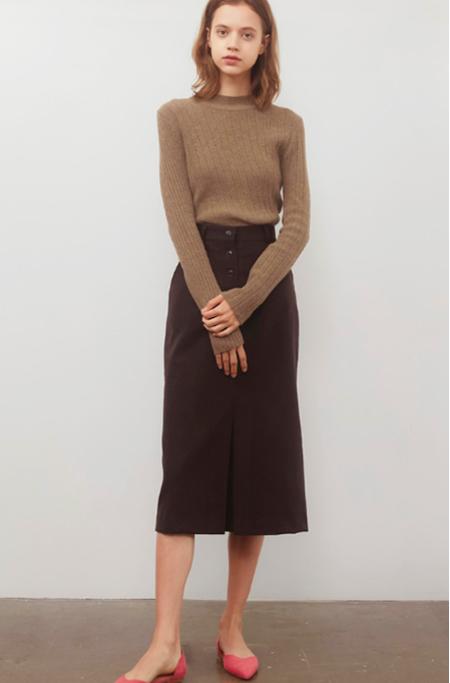 AMONG Wool Tuck Skirt - Brown