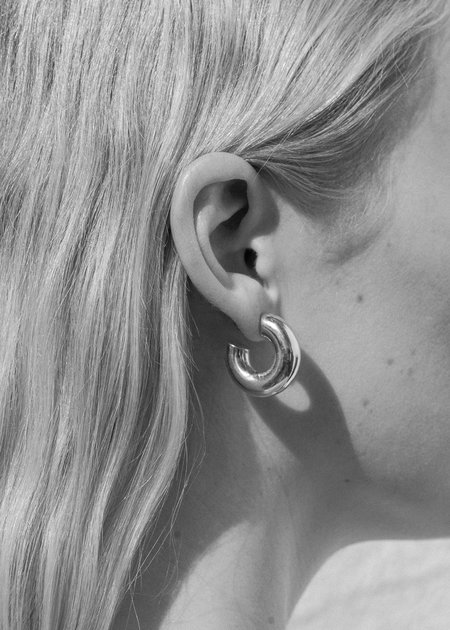 SOPHIE BUHAI Small Donut Hoops - sterling silver
