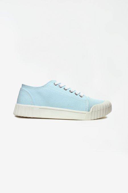 Good News Bagger baby blue low top sneaker