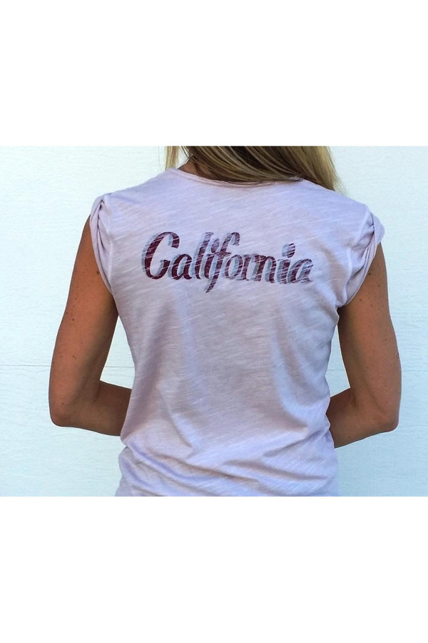Road Twenty-Two California Tee in Blush
