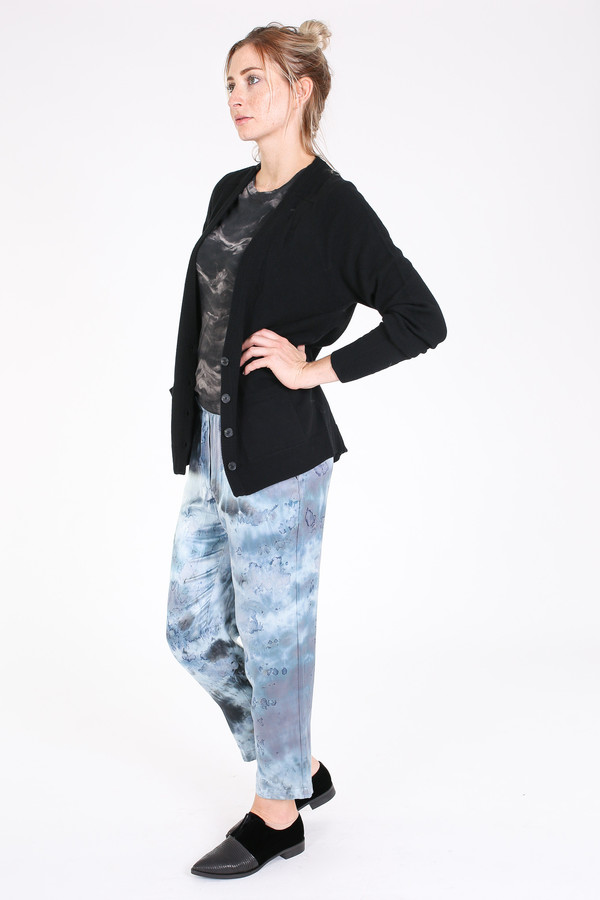 Raquel Allegra Deep v cardigan in black