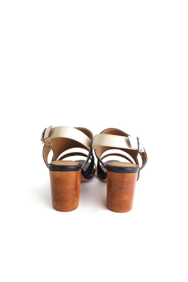 Nina Payne Evan sandals in black/ivory