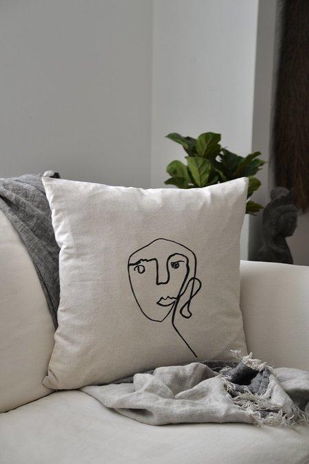 Studio Minimale Face Pillow