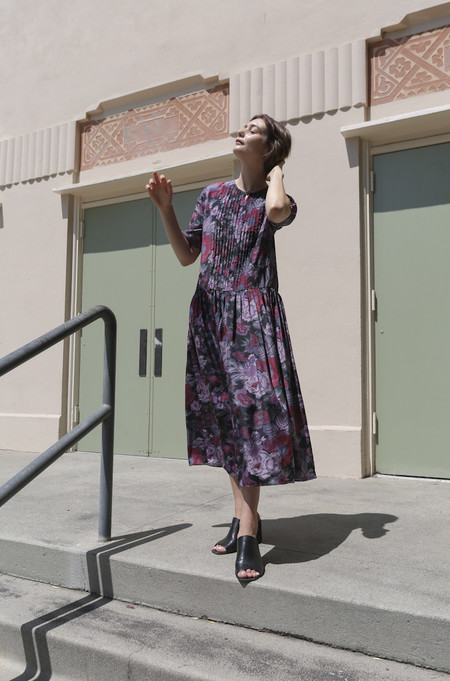 Suzanne Rae Pin-Tuck Dress in Chinois Floral