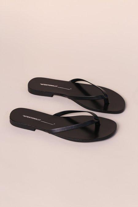 Essentials NOLA Slides-Sandals Negro 7.5 M US