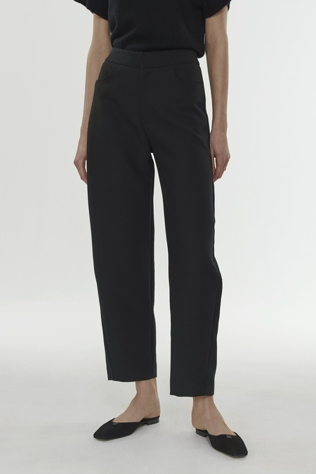 Totême NOVARA TROUSERS WITH SHAPED LEG