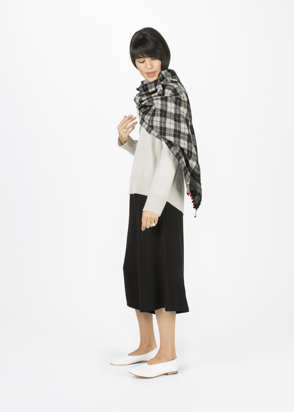 Pero Poppy Fringe Plaid Scarf
