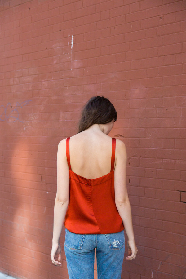 lacausa dual satin tank in blood orange