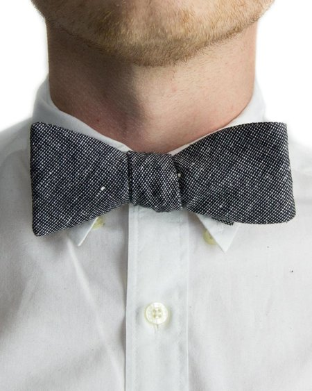 Forth and Nomad Tweed Bowtie - Black/White