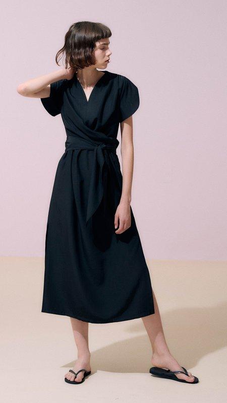 Neul Sweetheart Swallowtail Soft Dress - Black