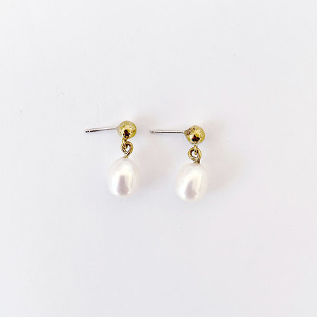 Crescioni mini perla earrings