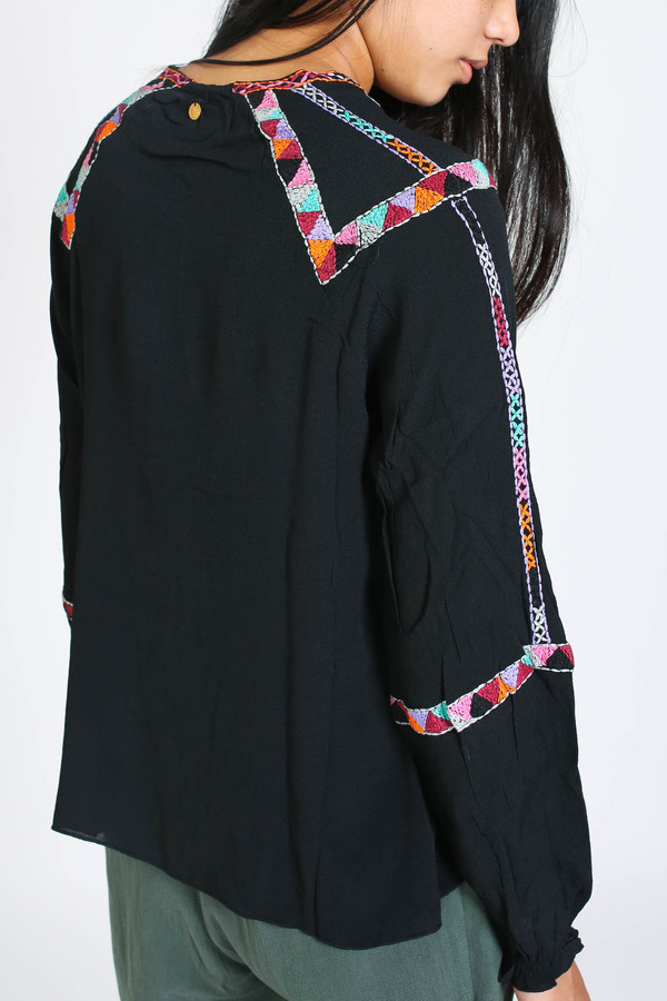 Antik Batik Dawi blouse in black