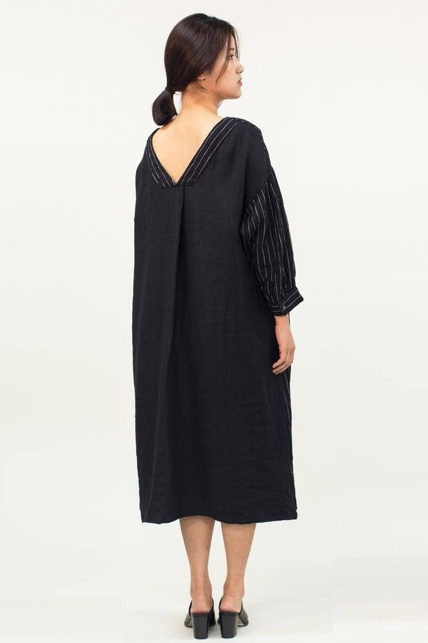 Universal Tissu Reversible Linen Dress- Black
