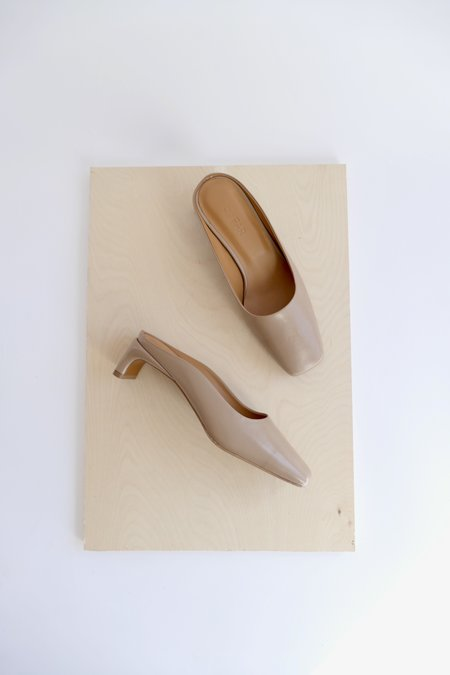 BY FAR MARIA LEATHER MULE - TAUPE