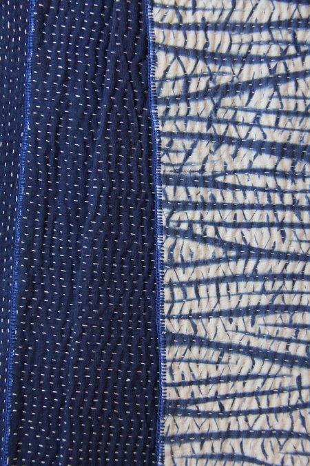 Living BlueQueen Size Quilt - Shibori Indigo