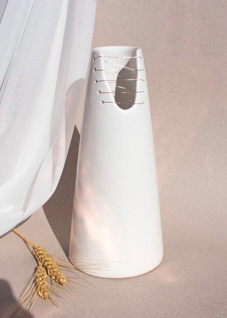 Ayadee Alta cone vase - White