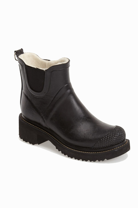 Ilse Jacobsen Hornbaek 'RUB 47' Short Rain Boot - Black