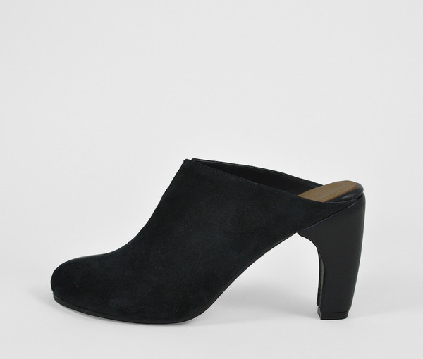 dimidia comma heel clog - black leather / black suede