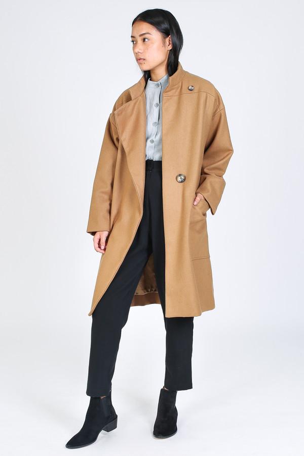 Ursa Minor Howe coat in camel